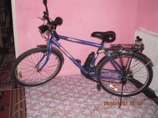 Bicicleta MTB cu 21 de viteze + diverse accesorii