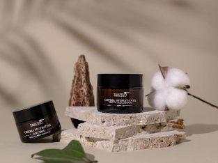 Vând cosmetice și produse pentru casa