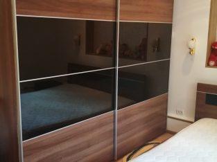 Vând mobila de dormitor